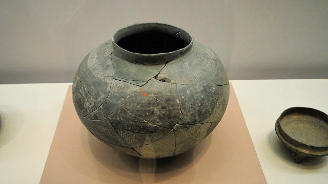 baekje-kingdom-pot