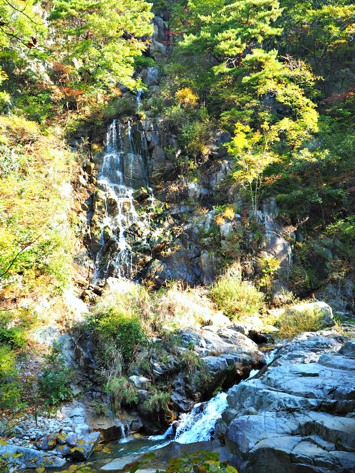 bipokdong-valley-waterfall