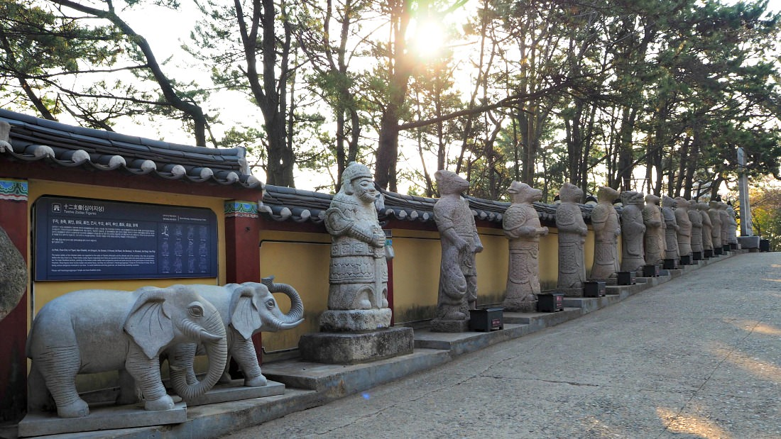 haedong-yonggungsa-temple-birth-animal-symbols