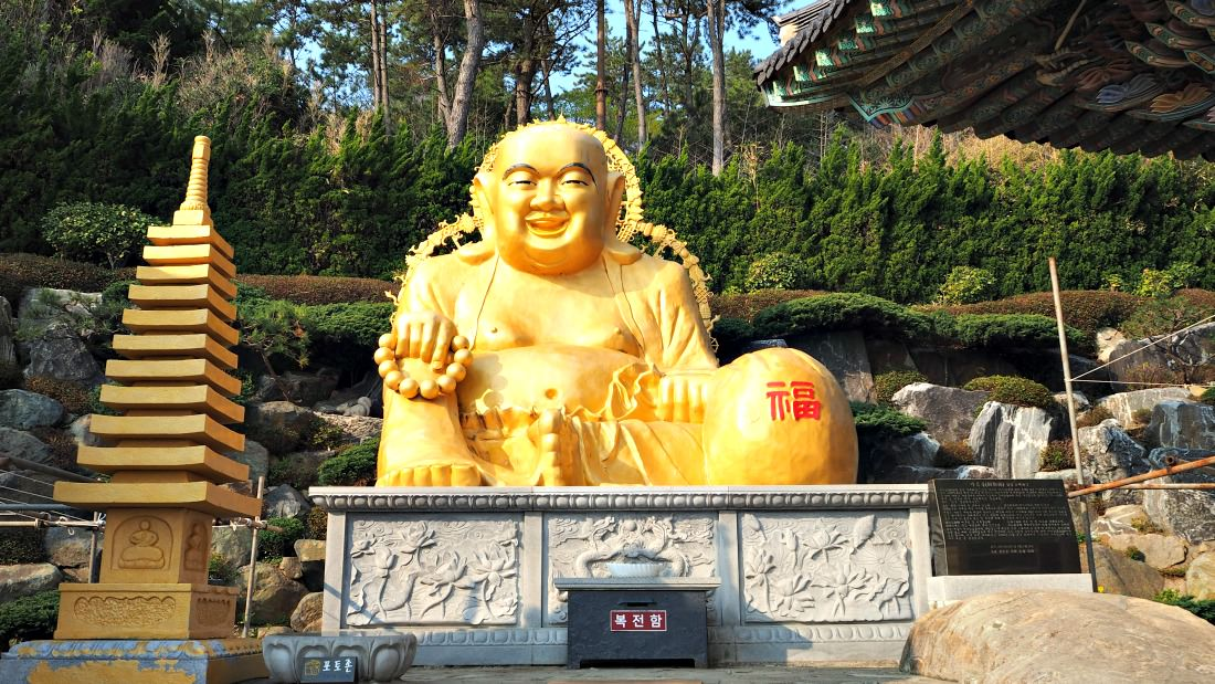 haedong-yonggungsa-temple-giant-buddha