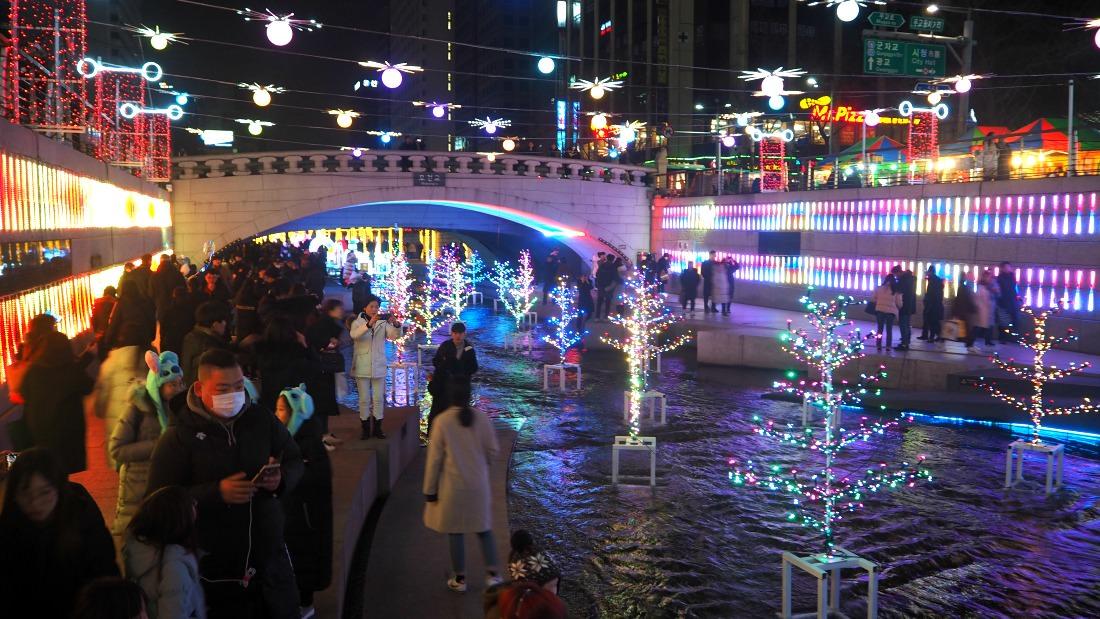 cheonggyecheon-stream-plaza