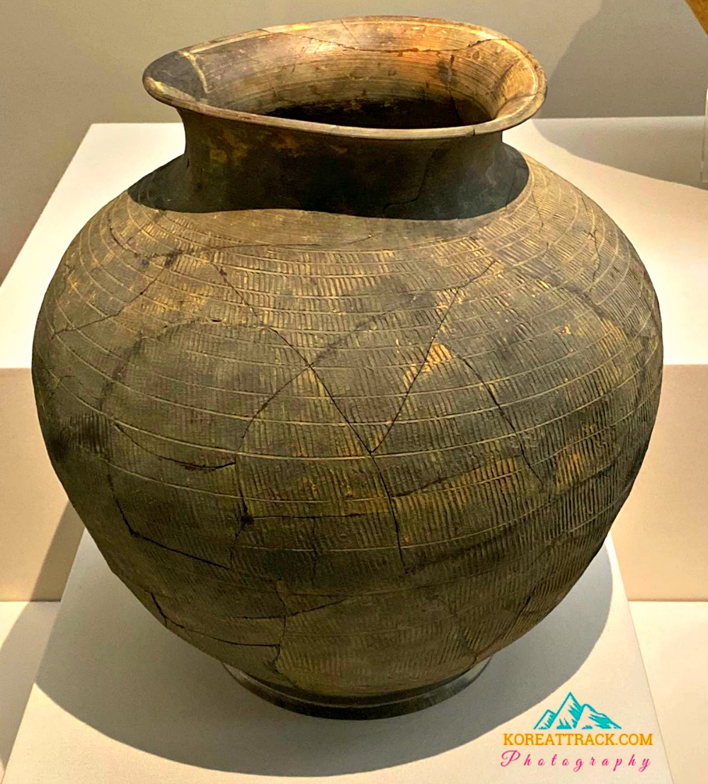 three-kingdoms-pottery