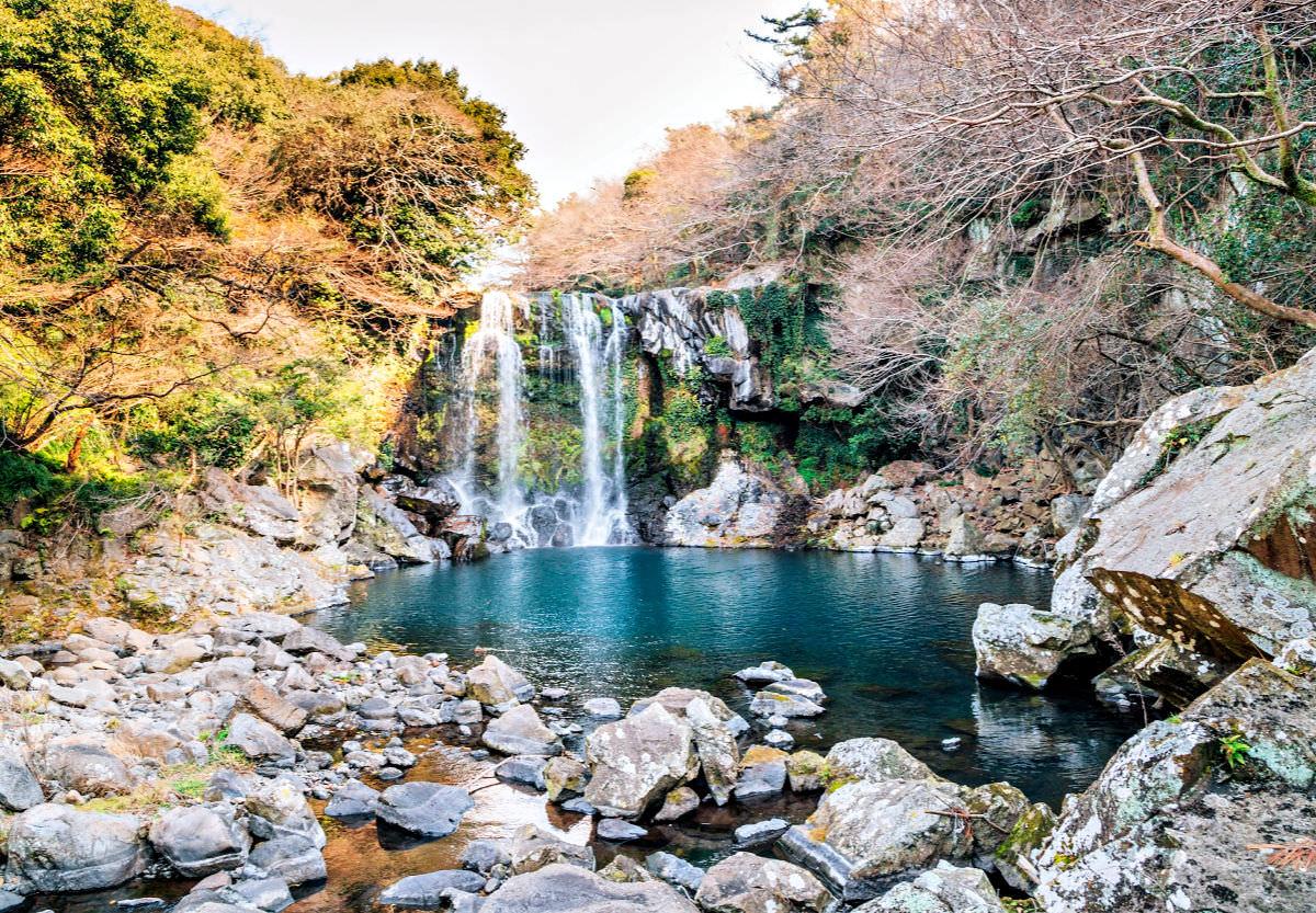 cheonjeyeon-falls-jeju