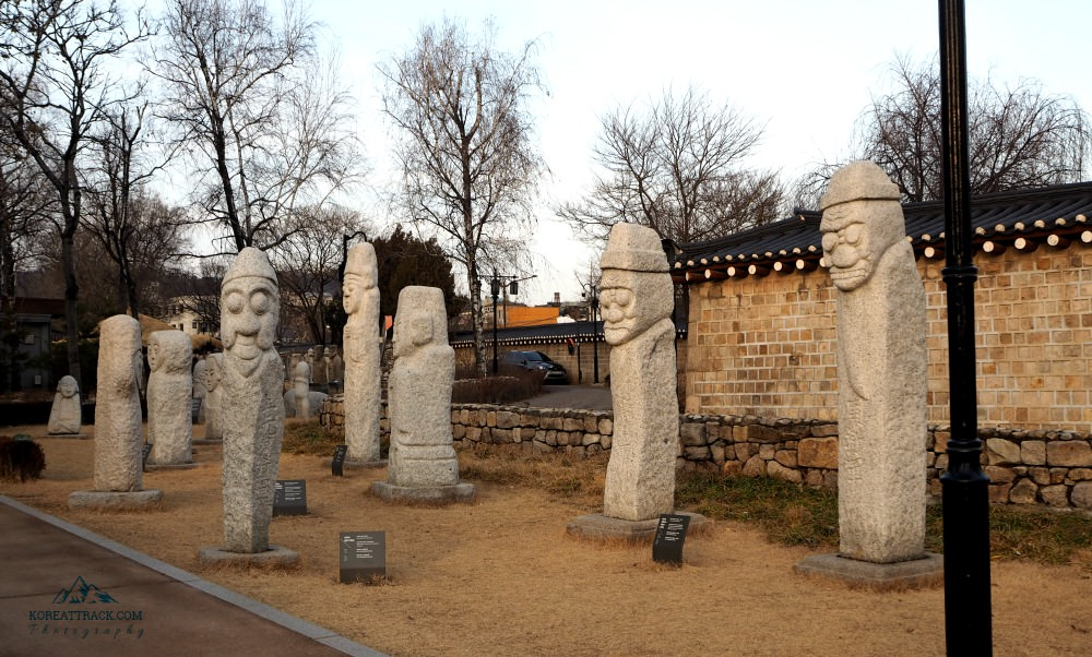 korean-stone-statues