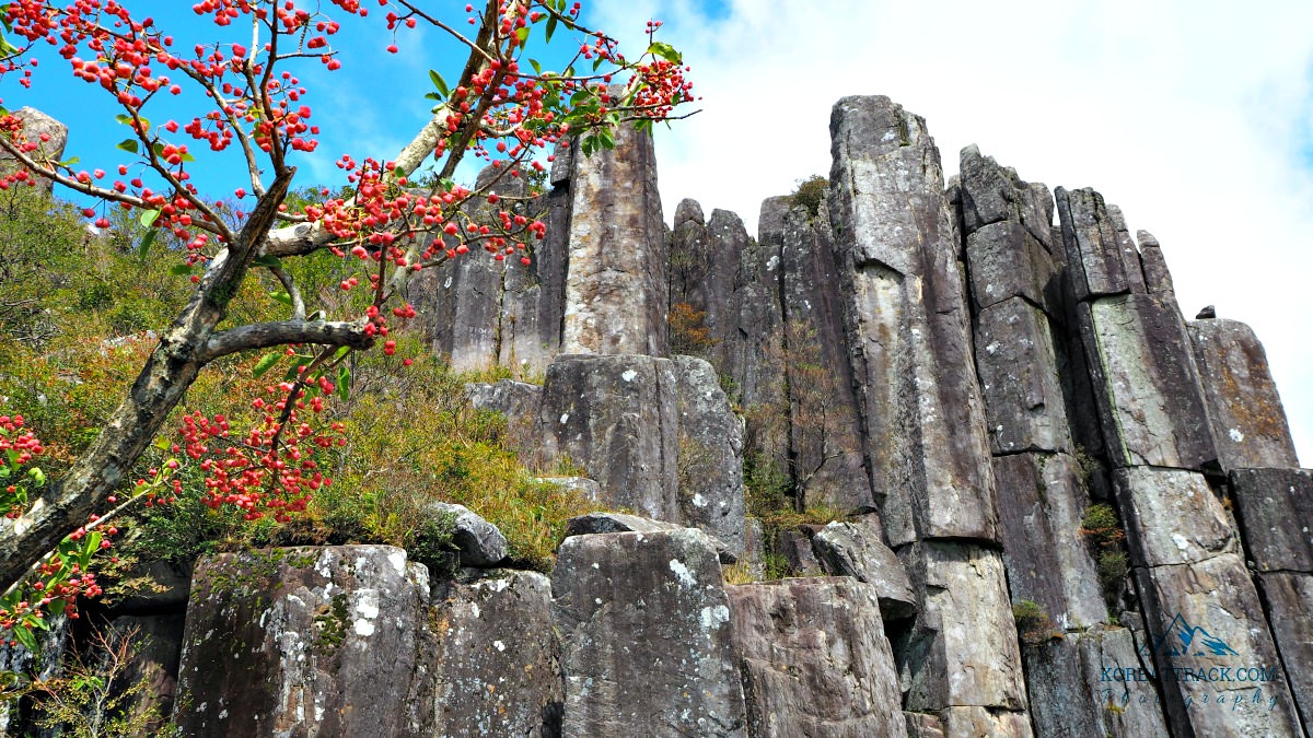 mudeungsan-national-park-ipseokdae