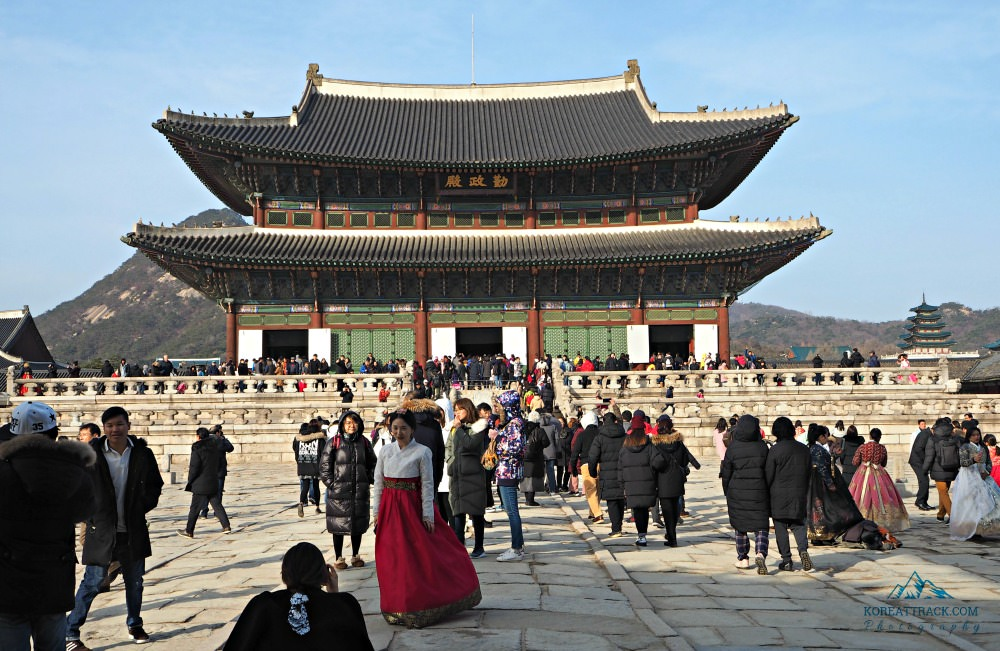 gyeongbokgung-palace-kings-throne