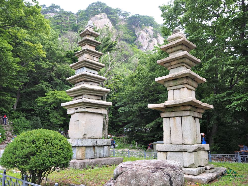 gyeryongsan-nammae-pagodas