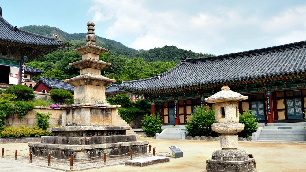 haeinsa-temple-pagoda
