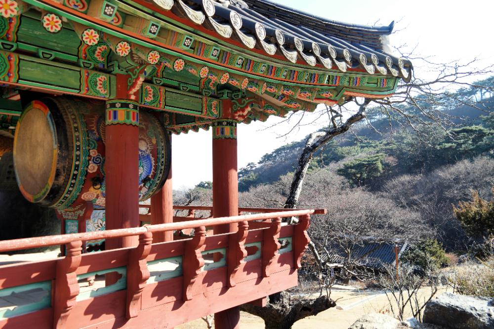 jeondeungsa-temple
