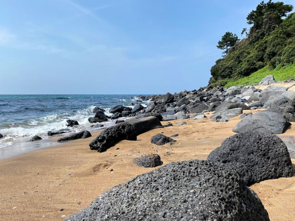 jungmun-saekdal-beach