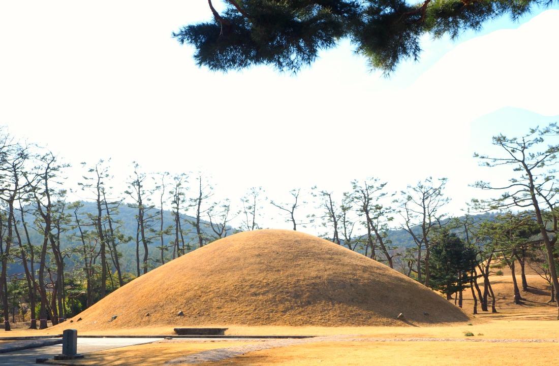 king-munmus-tomb