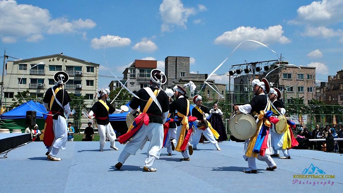 korean-festival-dance