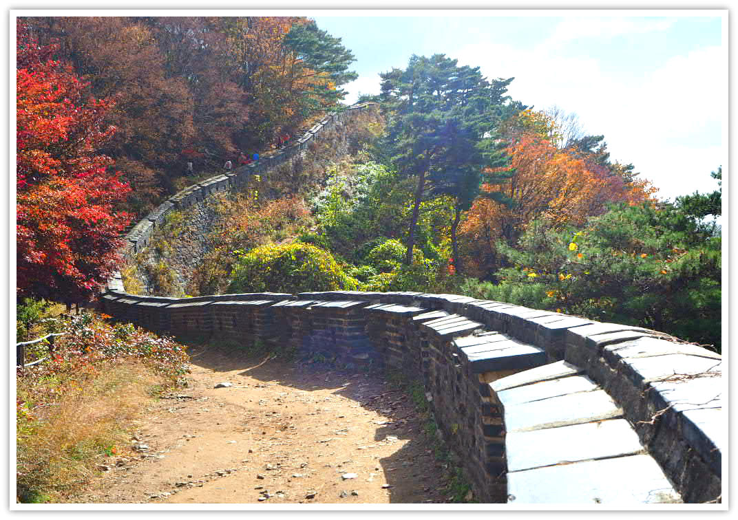 namhansanseong-wall-autumn