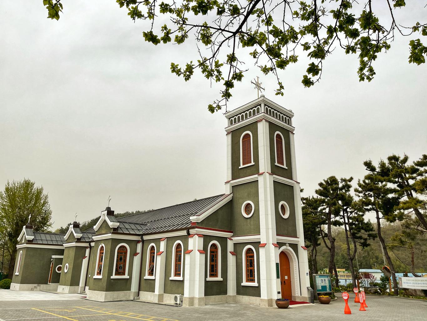 samcheok-catholic-cathedral