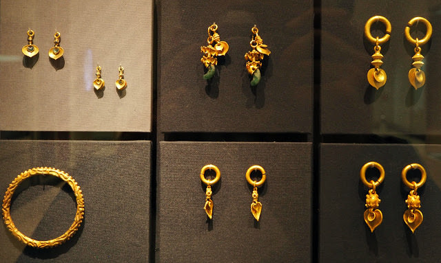 silla-kingdom-gold-earrings