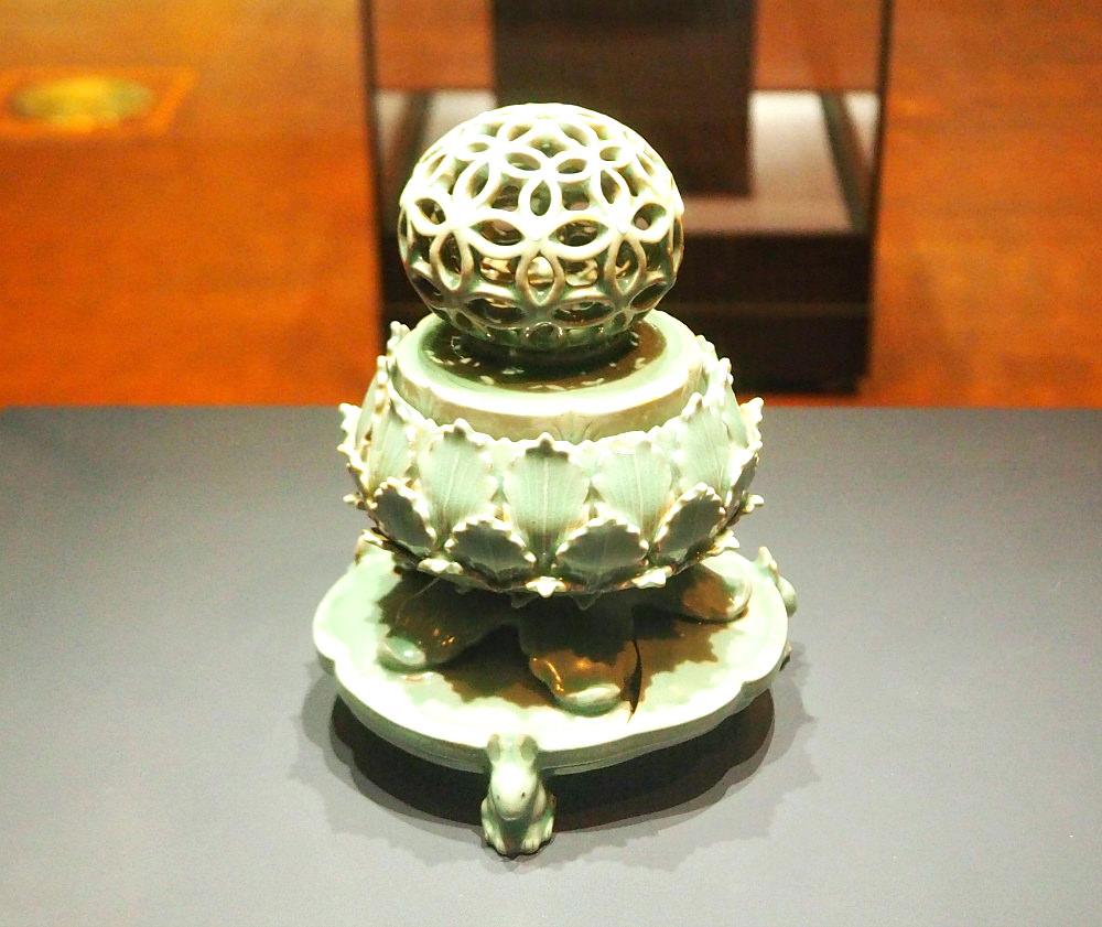 ceramic-art-incense-burner
