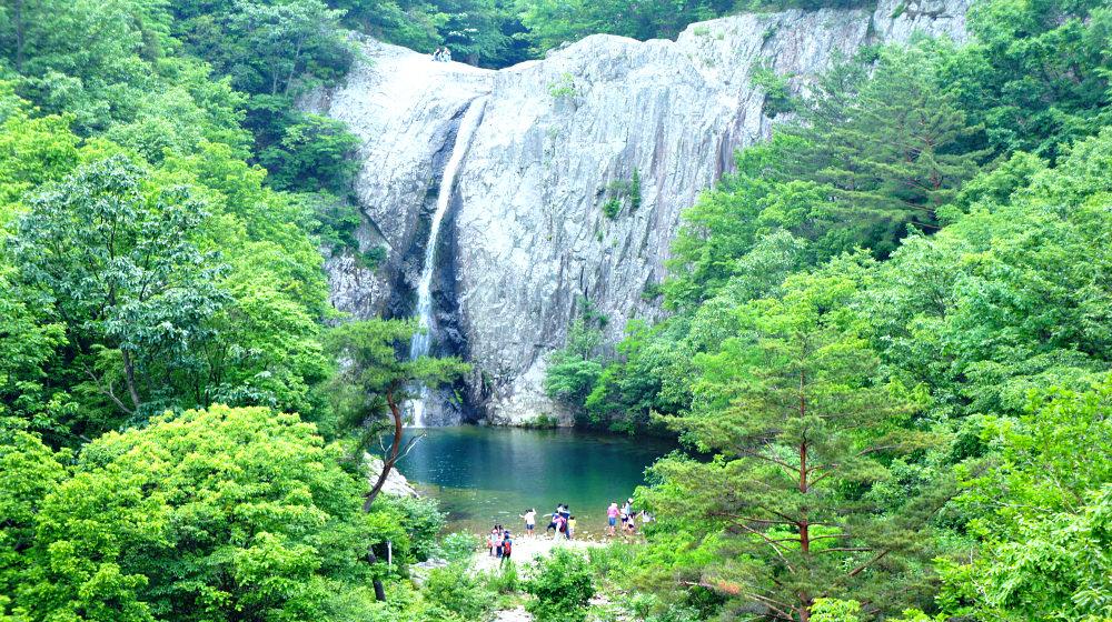 byeonsanbando-national-park-falls