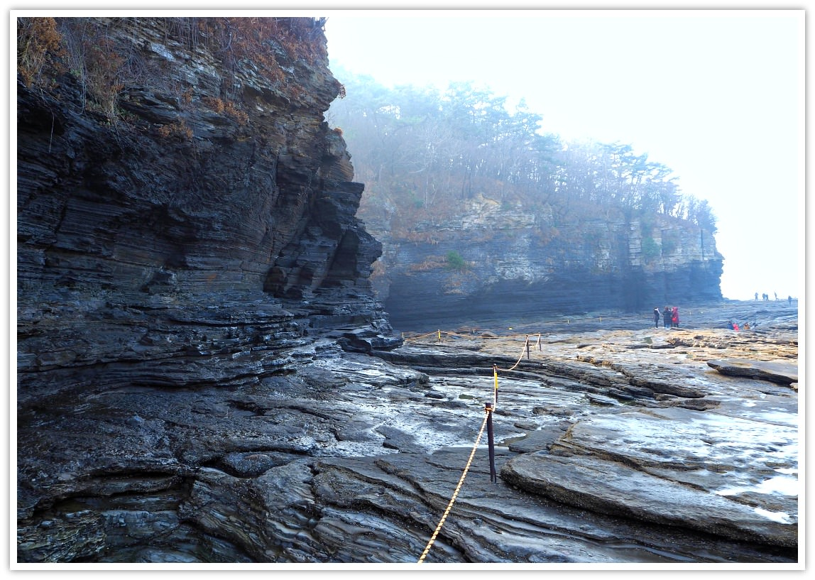 chaeseokgang-cliffs