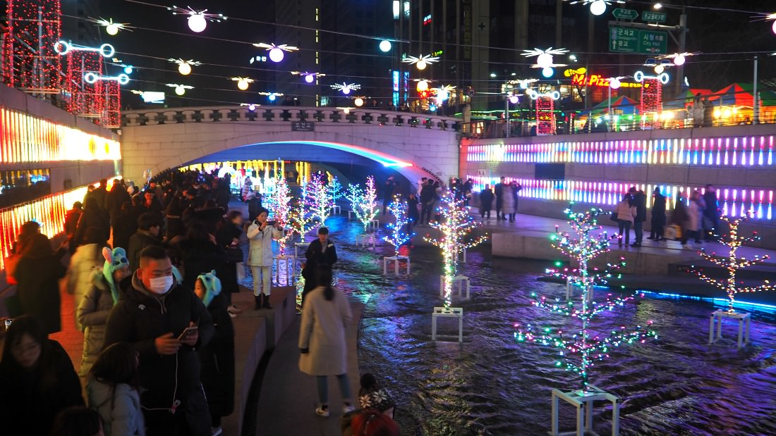 cheonggyecheon-stream-plaza