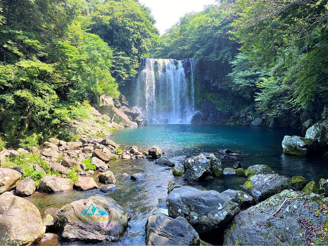 cheonjeyeon-falls
