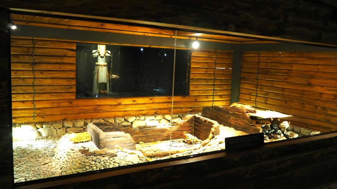 korean-royal-tombs