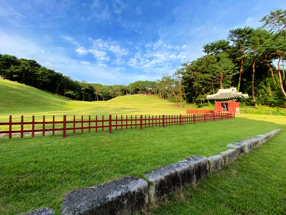 donggureung-royal-tombs