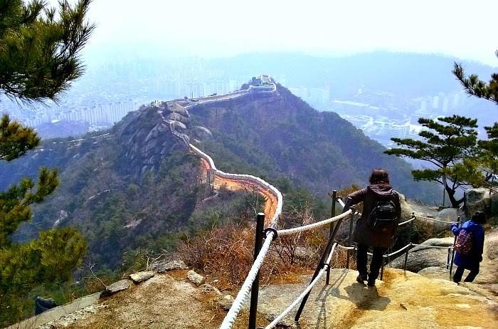 inwangsan-mountain-hiking