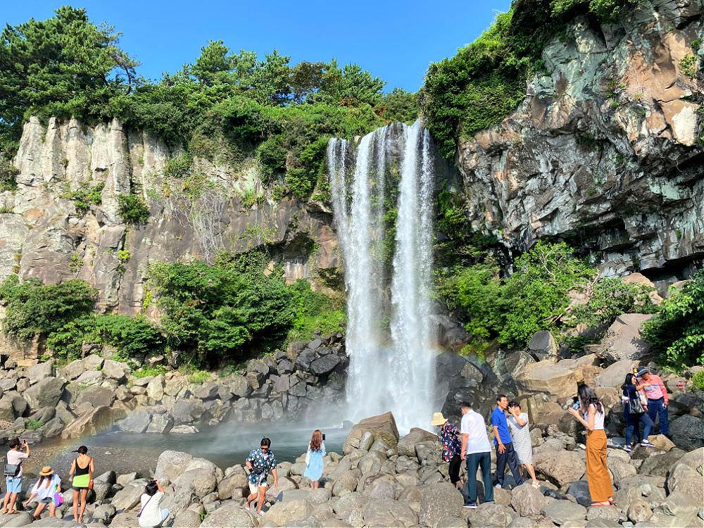jeongbang-waterfall