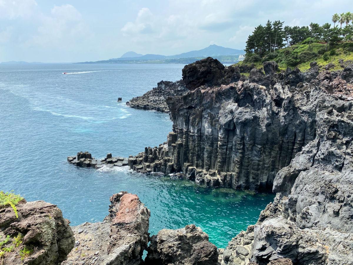 jusangjeolli-cliffs