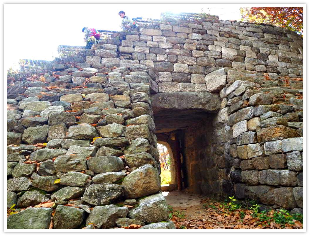 namhansanseong-stone-gate
