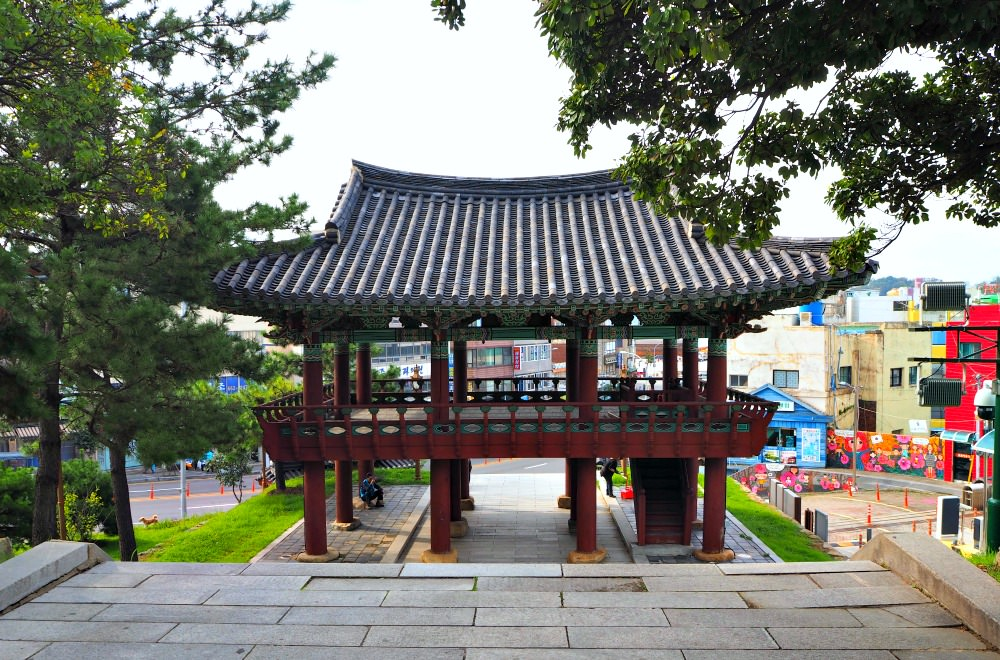 jinnamgwan-pavilion
