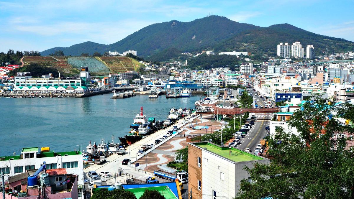 yeosu-city-port-view